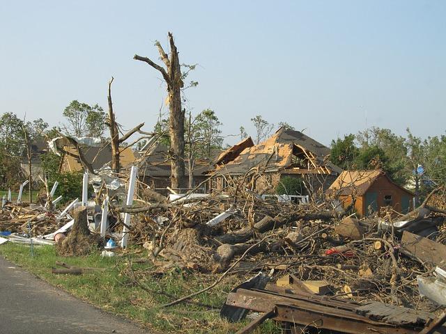 tornado-1650683_640